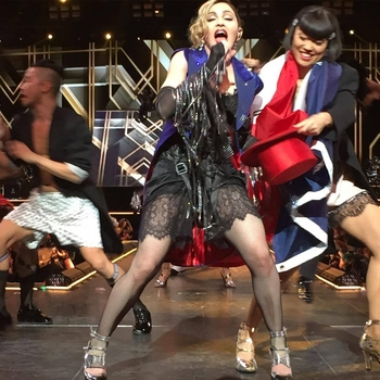 Rebel Heart Tour - 2015 12 09 Paris (58)