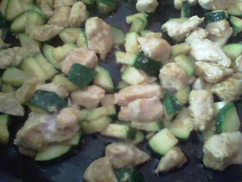 Riz à l'escalope et courgette, au curry