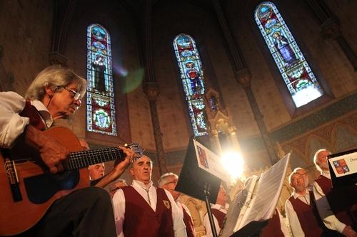 Les Choeurs dans le coeur de la Chapelle....