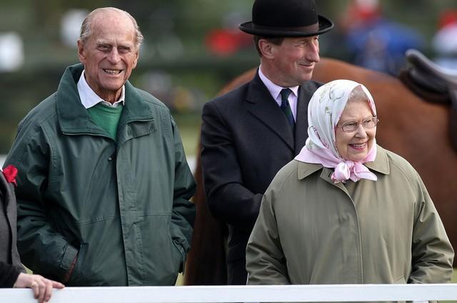 Elizabeth et Camilla aux courses de Windsor