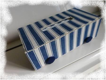 Boîtes à mouchoirs