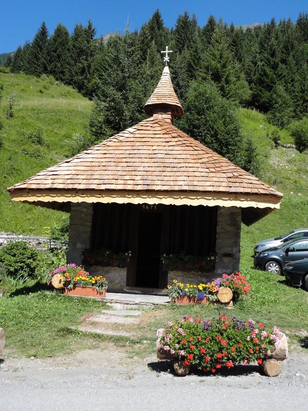 Les Dents du Midi se trouvent en Suisse, mais on les voit depuis Chatel (Haute Savoie)