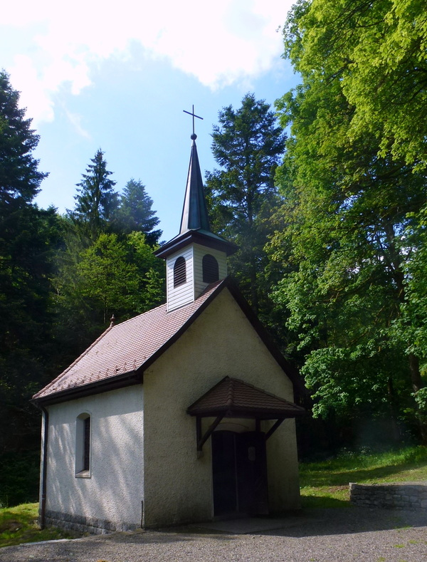 LA chapelle, et la cascade Saint-Nicolas...