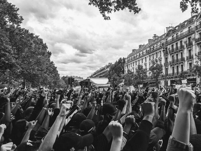 Justice pour Adama : immense Marseillaise place de la République