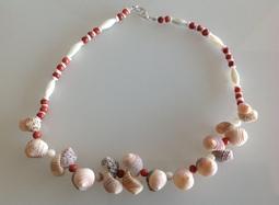 Colliers des Tuamotu