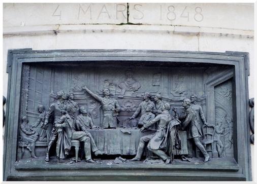 Statue République, détail des gravures