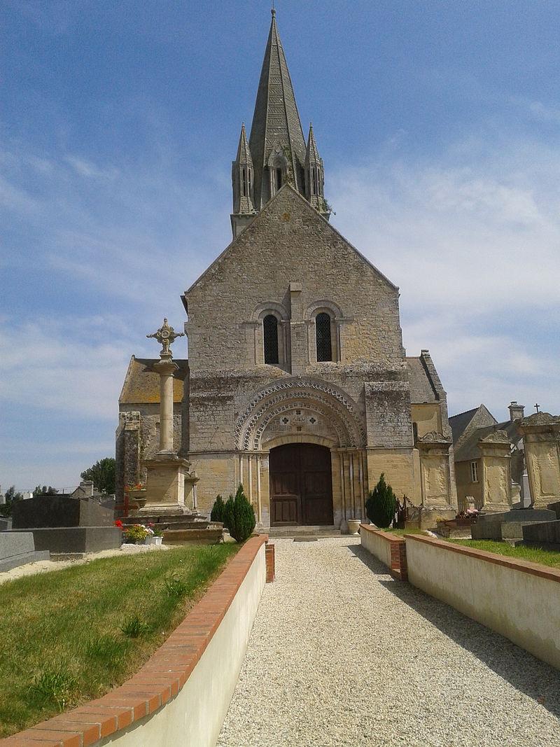 Église Saint-Pierre de Tour-en-Bessin.jpg