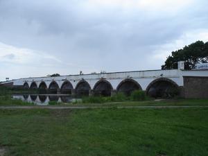Hortobàgy, le pont à 9 arches, long 92m, pont de pierres le plus connu en hongrie