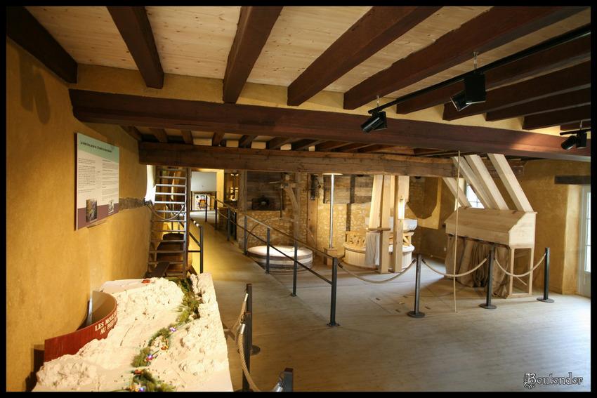 Sainte-Suzanne-le moulin (Mayenne 53)