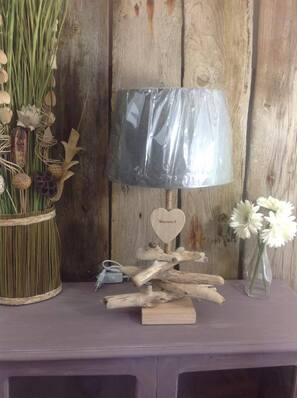 Lampe en bois flotté tethys art