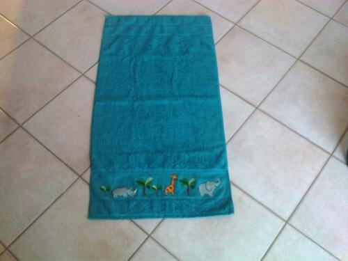 Une serviette de toilette