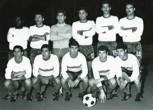 ZENIR Abdelouahab EN Militaire 1er debout à droite