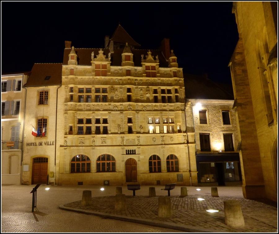 Petite balade nocturne à Paray-le-Monial...(Saône et Loire )