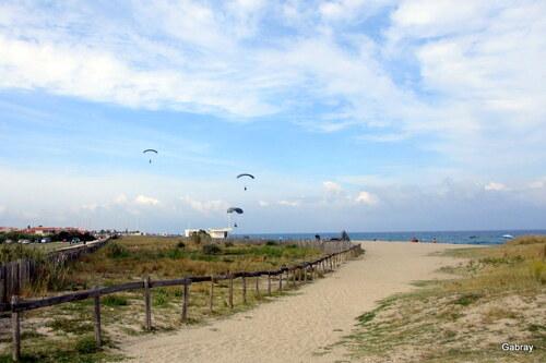 Le Barcarès: les parachutistes