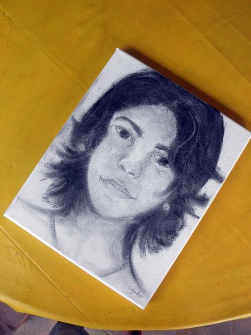 • Autoportrait au fusain