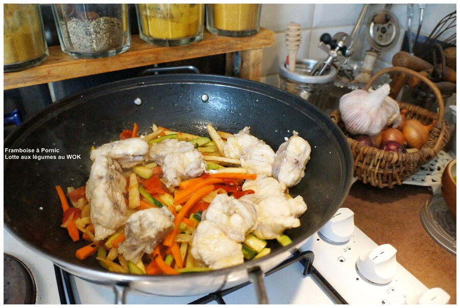 Lotte et petits légumes au Wok
