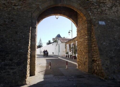 Une porte de la médina
