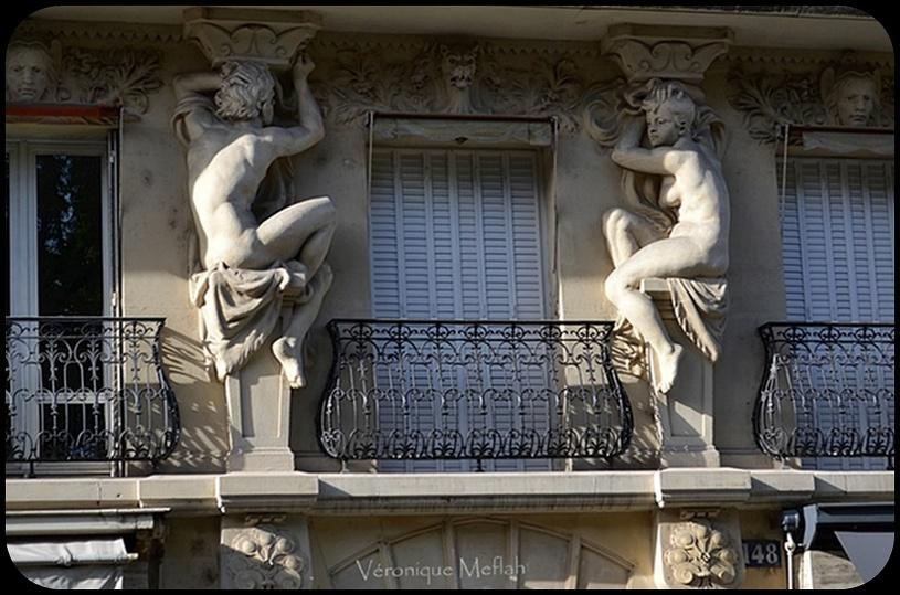 Paris 7ème : Cariatides et macarons au 148 rue de Grenelle