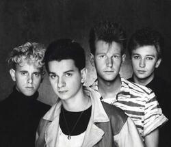1984- des chanteurs au brushing impeccable...