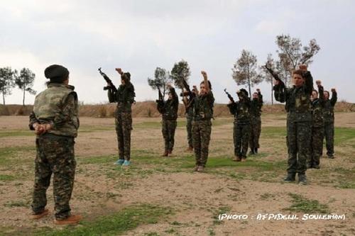 Ces femmes n'hésitent pas à se battre contre les djihadistes de l'Etat Islamique.
