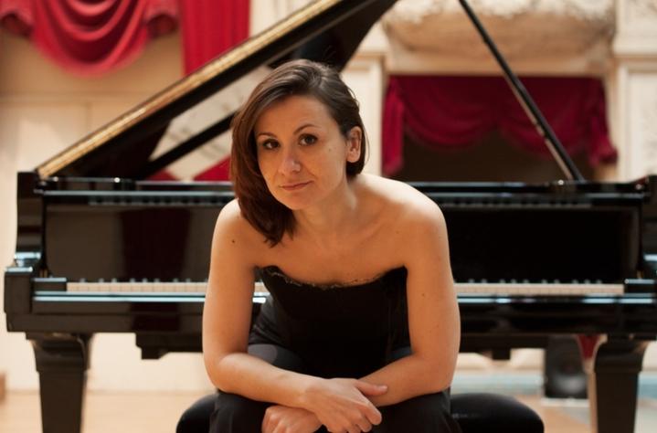 """concert Trio Dor ,Ioana Cristina Mihai, piano, Laeticia Cellura,    Ovidiu Alupei,  Roumanie,   piano  Collège """"Stefan Luchian , de Botosani.  Conservatoire , Iasi  , bruxelles"""
