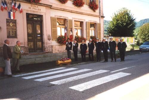 * Cérémonies à la mémoire des soldats de la 1ère DFL morts pour la libération de Dolleren en novembre 1944.