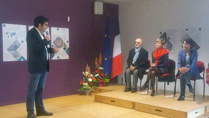 """A Béziers : Vallaud-Belkacem tacle Ménard """"L'histoire ne doit être ni falsifiée, ni instrumentalisée"""""""