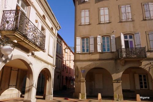 Coopération (2) : Salon, le château ... Briatexte, les couverts ...