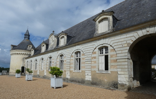 Le château de Montgeoffroy ( 1 )