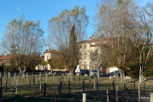 Auzeville:  maison, église , ...