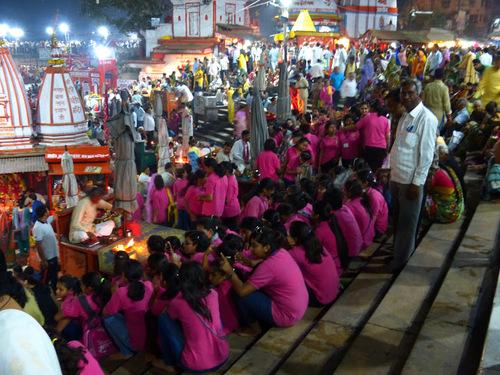 d'autres images de la puja d'Haridwar