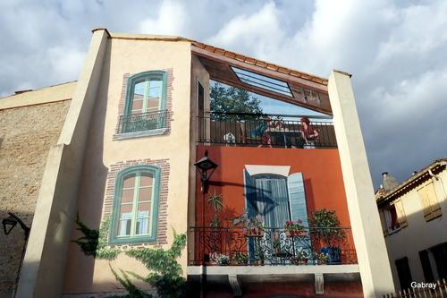 Rivesaltes: portes et peintures murales