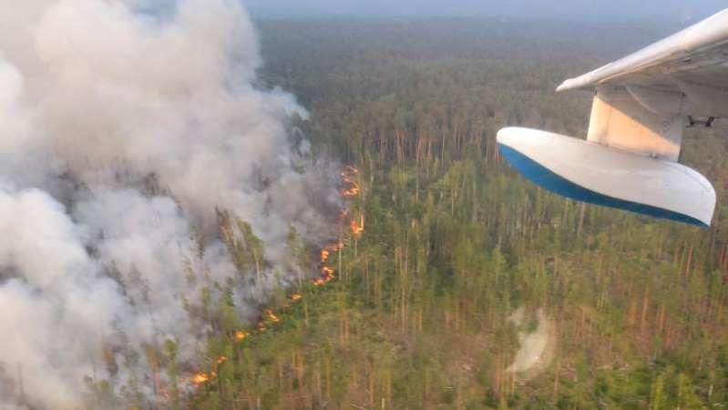 Accusé d'inaction, Poutine envoie l'armée lutter contre les flammes en Sibérie
