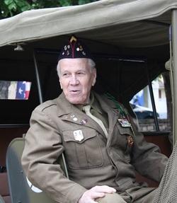 * Félicitations à Monsieur Francis Antoine GARCIA (1er R.A.), nommé Chevalier dans l'ordre de la Légion d'Honneur
