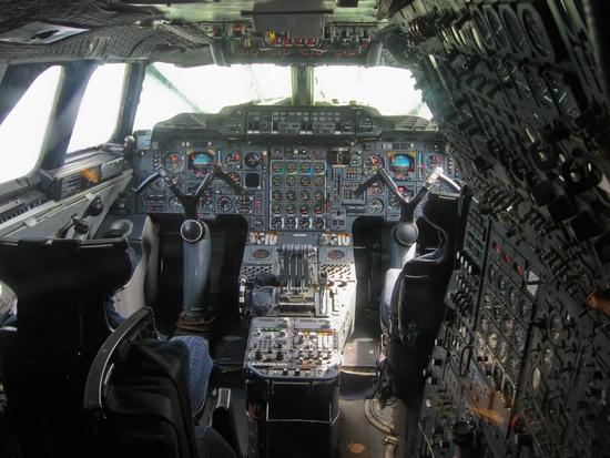cockpit-concorde