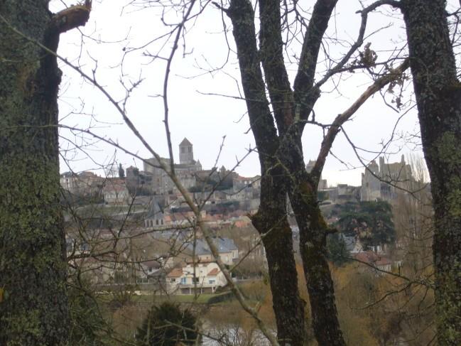 Chauvigny, son chateau et son église