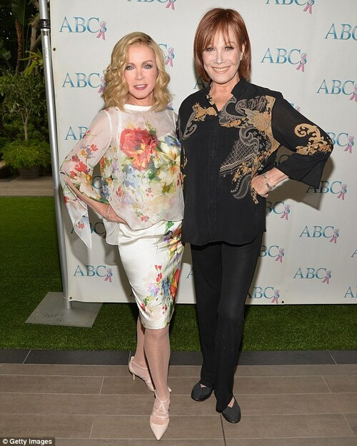 Michele Lee  et Donna Mills.