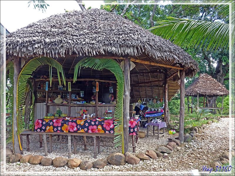 LocoLocoNavy TribeLife - Antanabe - Nosy Sakatia - Madagascar