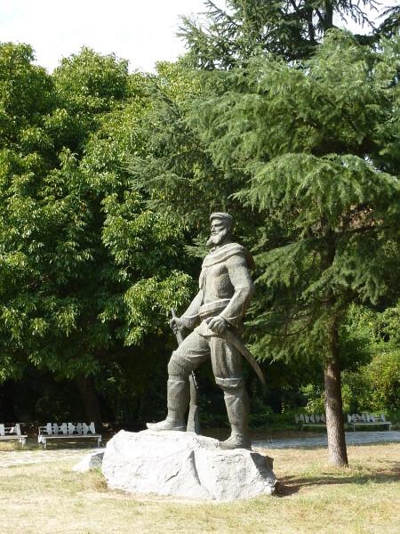 Jour-4---Melnik-Statue-d-un-Haidouk-2.jpg