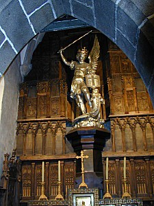 200506 - Mont Saint-Michel 40 - Statue Saint-Michel
