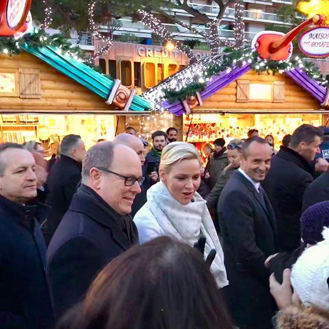 Albert et Charlène au marché de Noël