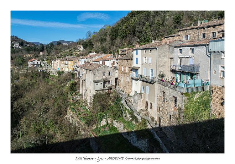 Coeur de l'Ardèche de Privas à l'Auzène