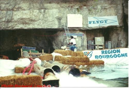 Le pompage des eaux de la Douix de Châtillon sur Seine en 2001