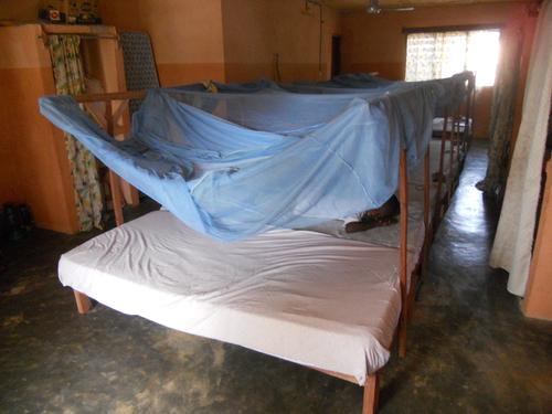 La nouvelle literie: sommiers matelas moustiquaires