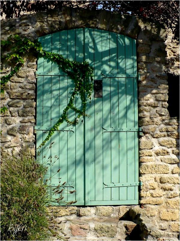 Heurtoir à Cornillon-Confoux (13) ......