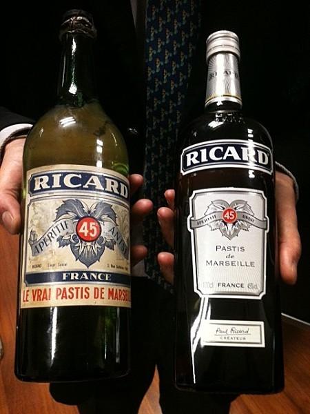 bouteille-de-ricard-version-1947-a-gauche----a-droite-vers.JPG