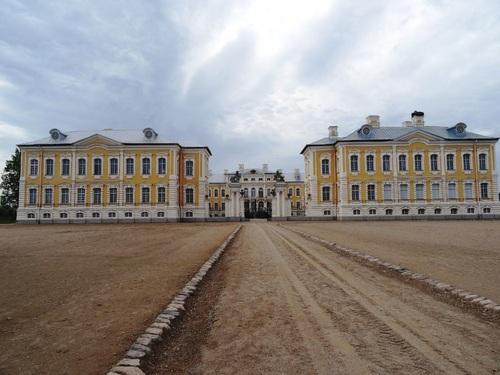 Le château de Pirunsdale en Lettonie (photos)