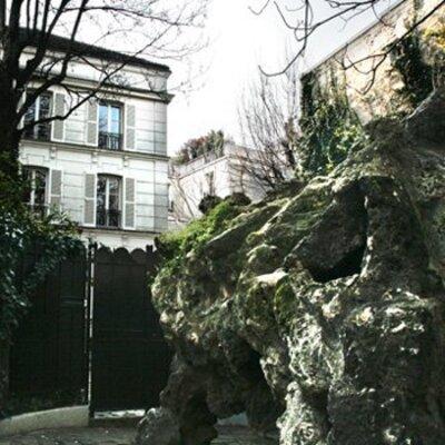 PARIS ET SES MYSTÈRES