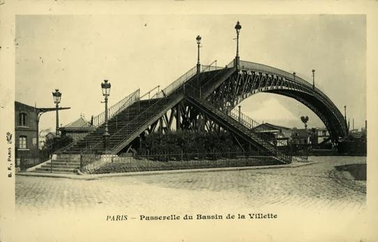 Canal de l'Ourcq, Bassin de la Villette : La passerelle de la Moselle