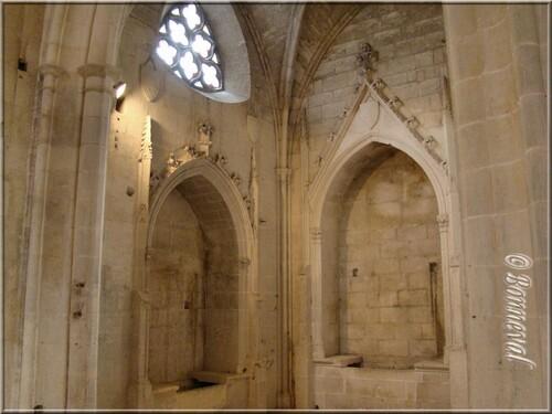 Abbaye de Montmajour Abbatiale Notre-Dame enfeus de l'Abbé Maussang et de sa soeur